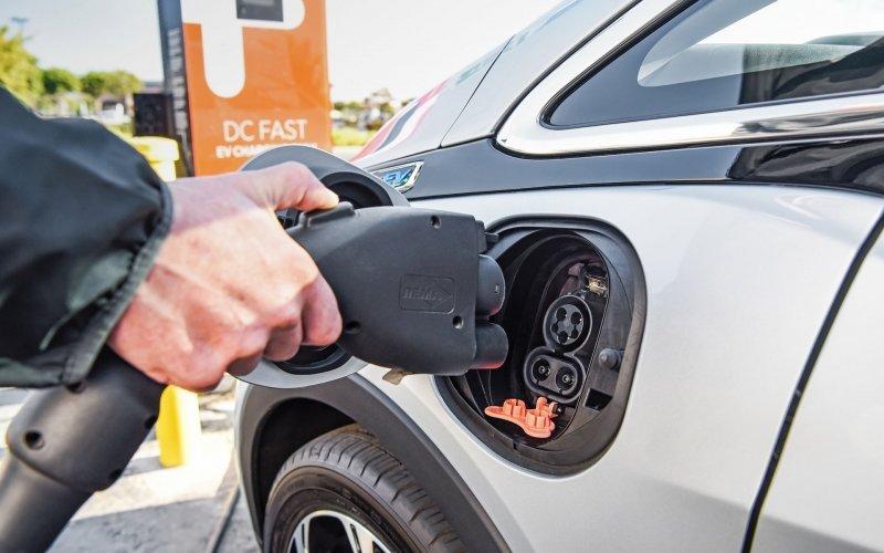 Εθνικός στόχος: Ηλεκτρικά το 30% των νέων αυτοκινήτων το 2030!